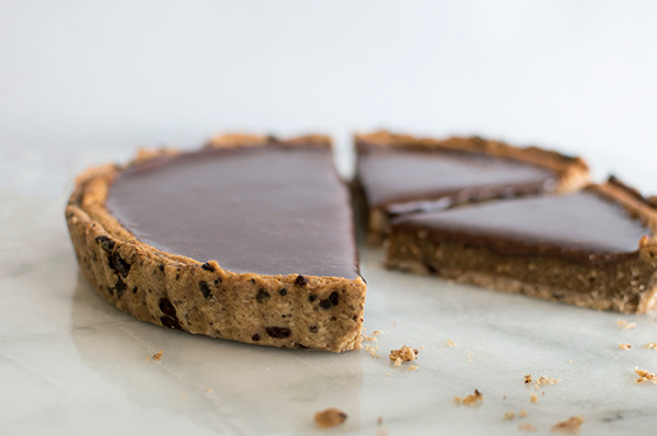 Sliced Milk Chocolate Peanut Butter Tart