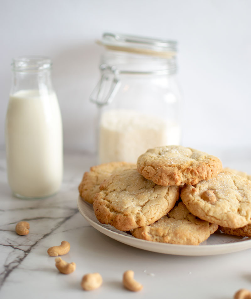 Easy and delicious Pantry Cookie recipe, pantry cookies, use up ingredients in pantry, organic cookies, gluten free cookies, cashew cookies, coconut cookies #organic #cookies #pantry #useingredients #highaltitudebaking #highaltitude #cashews