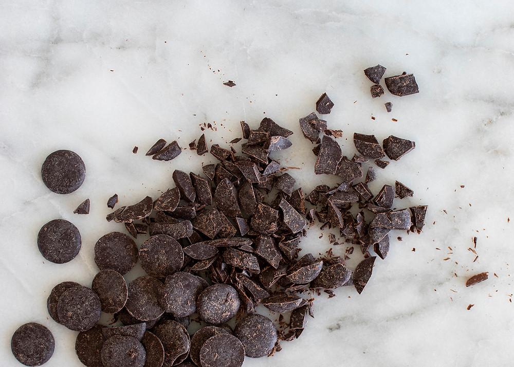Organic dark chocolate pieces