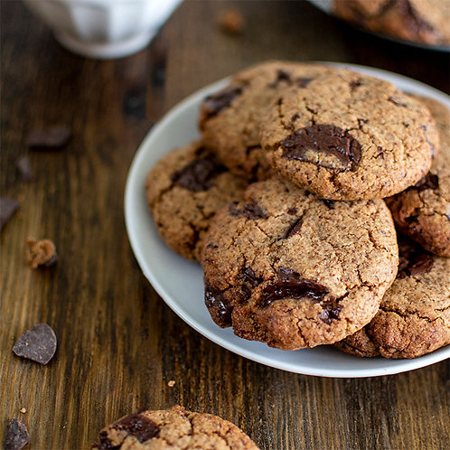 Paleo Dark Chocolate Chunk Cookies served In a plate