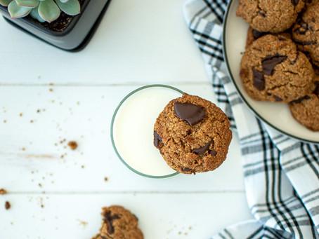 Paleo Dark Chocolate Chunk Cookies