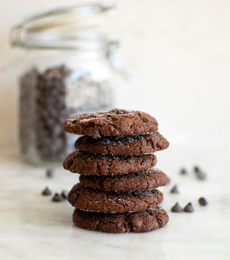 Easy and delicious chocolate almond butter cookie recipe, healthy cookies, delicious cookies, almond butter, chocolate cookies, gluten free cookies, gluten free, chocolate chip, organic #glutenfree #cookies #chocolatecookies #chocolatechip #almondbutter #highaltitudebaking #highaltitude