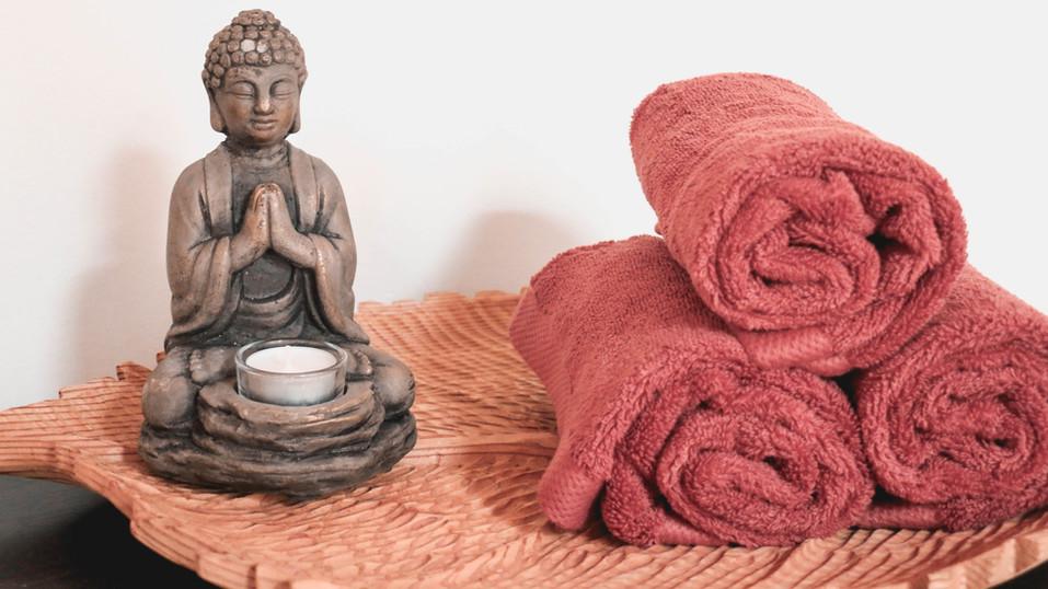 Buddha and towels 2.jpg