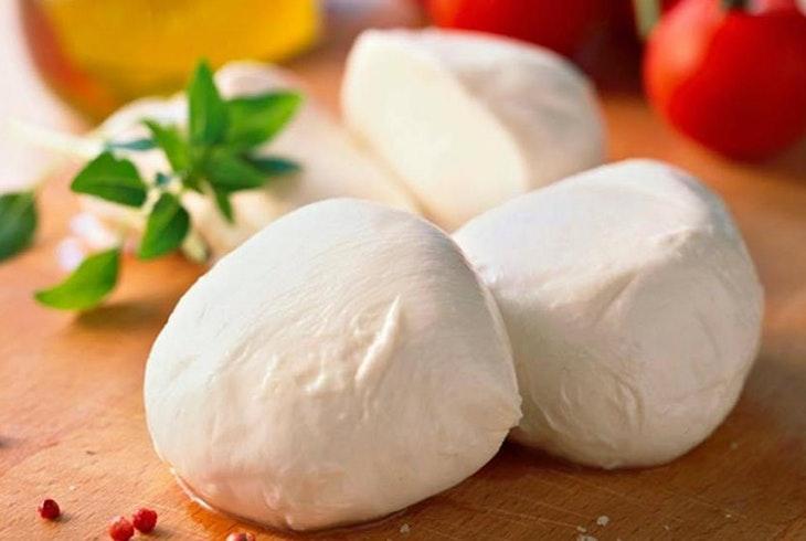 CocuSocial-Mozzarella-Cheese-Making-1