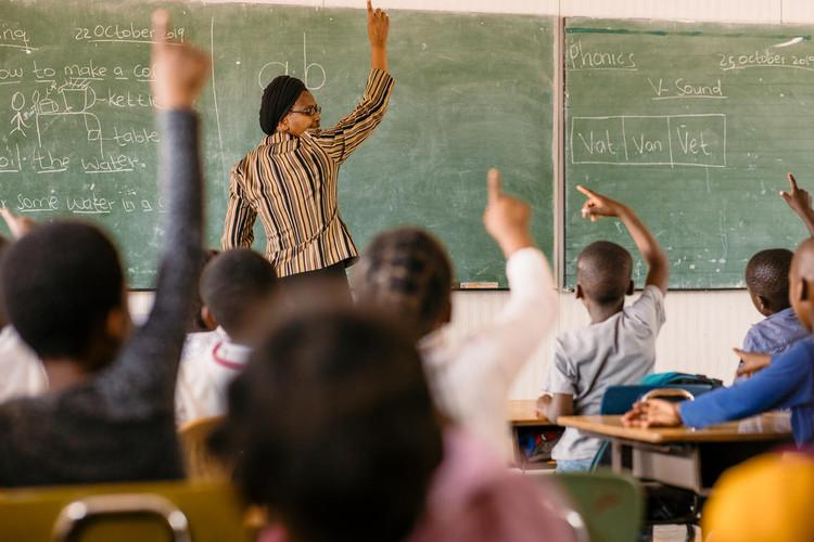 tb_-_community_-_hananani_school_-_fr_03