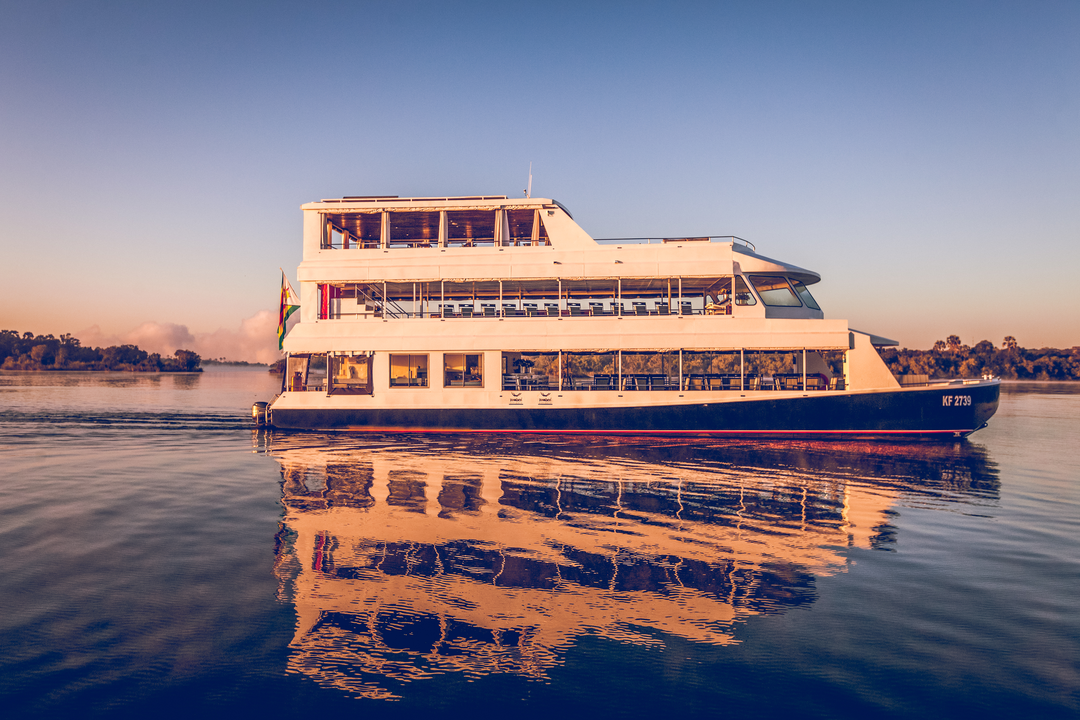 03 - Luxury Sunset Cruise