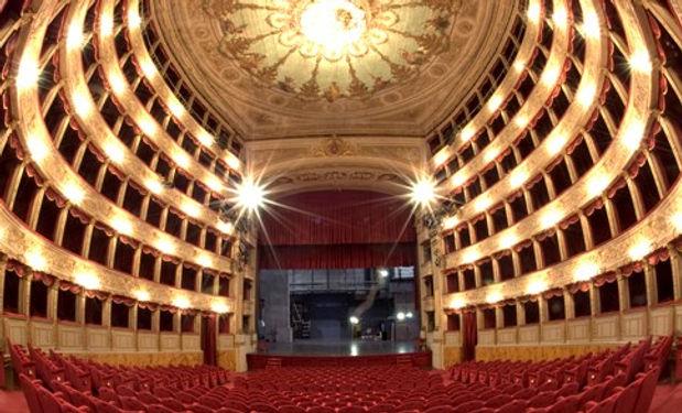 teatro argentina interno.jpg