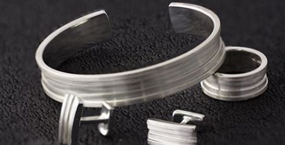 MENS AMPHITHEATRE BANGLE