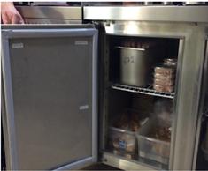 Холодильный стол внутри фото.png