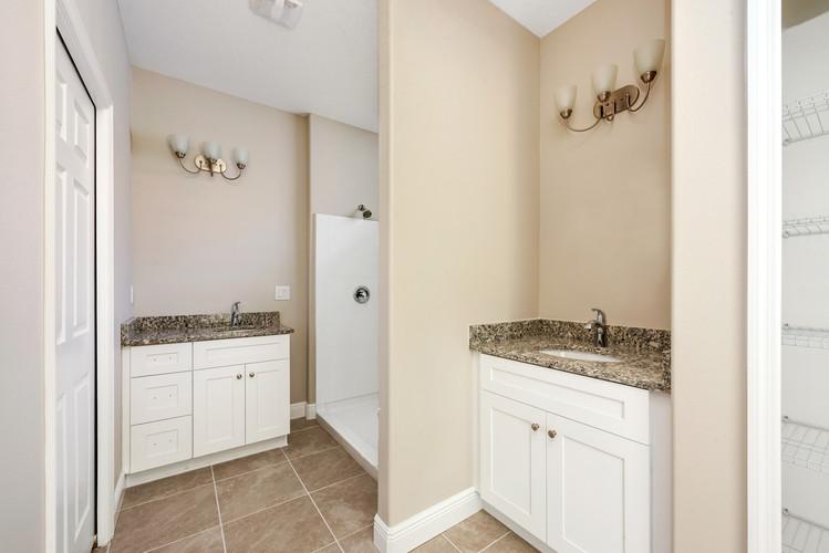 Master Bathroom - Eleven Oaks - Laurel Oak Floor Plan
