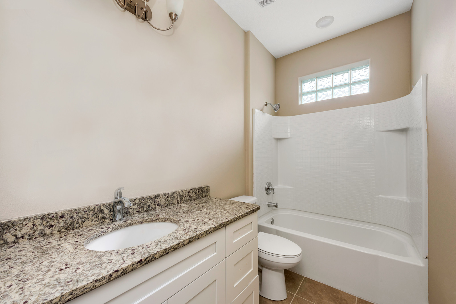 Guest Bathroom - Eleven Oaks - Laurel Oak Floor Plan