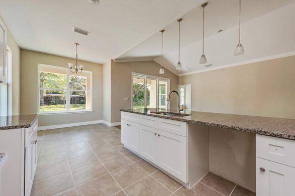 Kitchen - Willow Oak Floor Plan - Eleven Oaks
