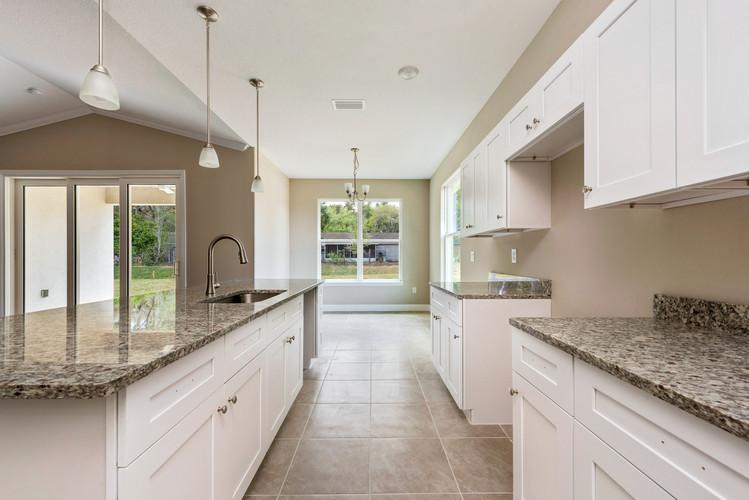 Kitchen - Eleven Oaks - Laurel Oak Floor Plan