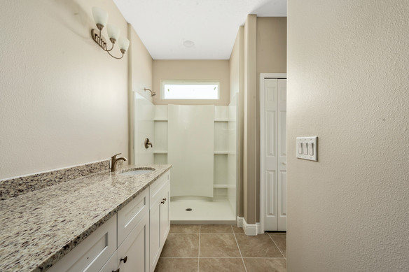 Master Bathroom - Chapman Floor Plan - Eleven Oaks