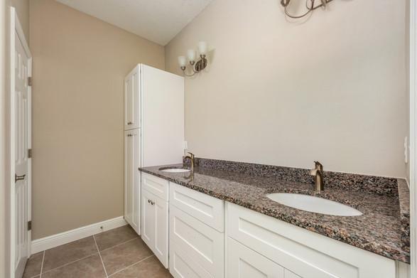 Master Bathroom - Willow Oak Floor Plan - Eleven Oaks