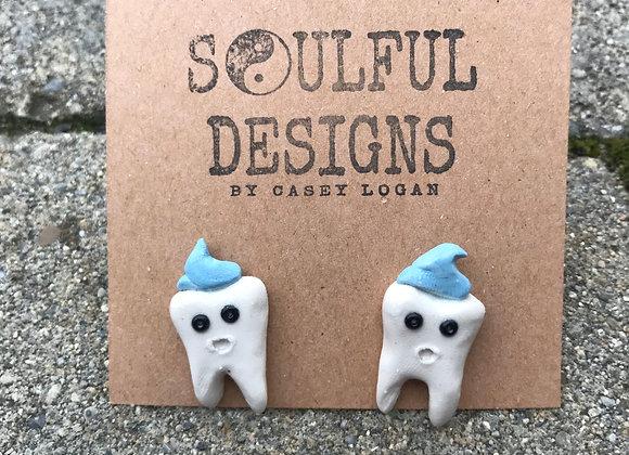 Teeth earrings with faces