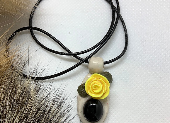 Black Onyx with yellow rose