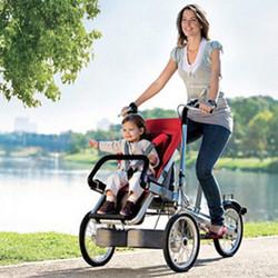 Envío-de-DHL-imagen-del-coche-del-padre-niño-de-la-bicicleta-del-triciclo-bebé-carro