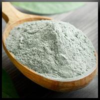 Traiter l'acné avec de l'Argile Verte