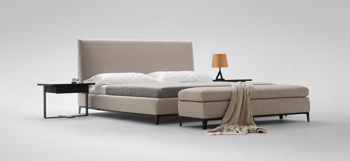 crescent-bed1jpg