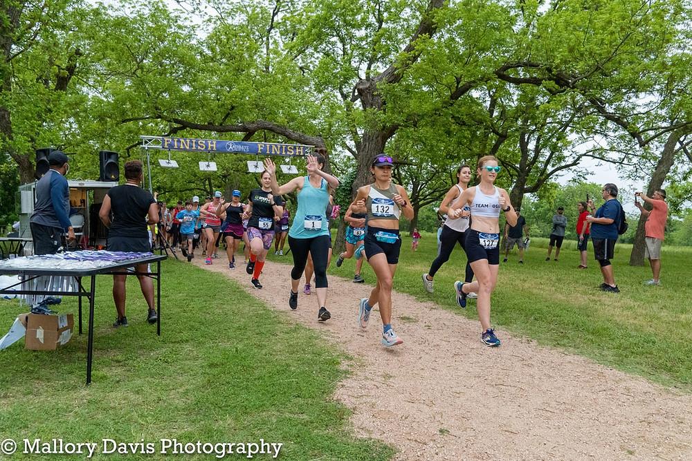 Chucks & Pearls 10K Trail Race Start Wave Austin Texas
