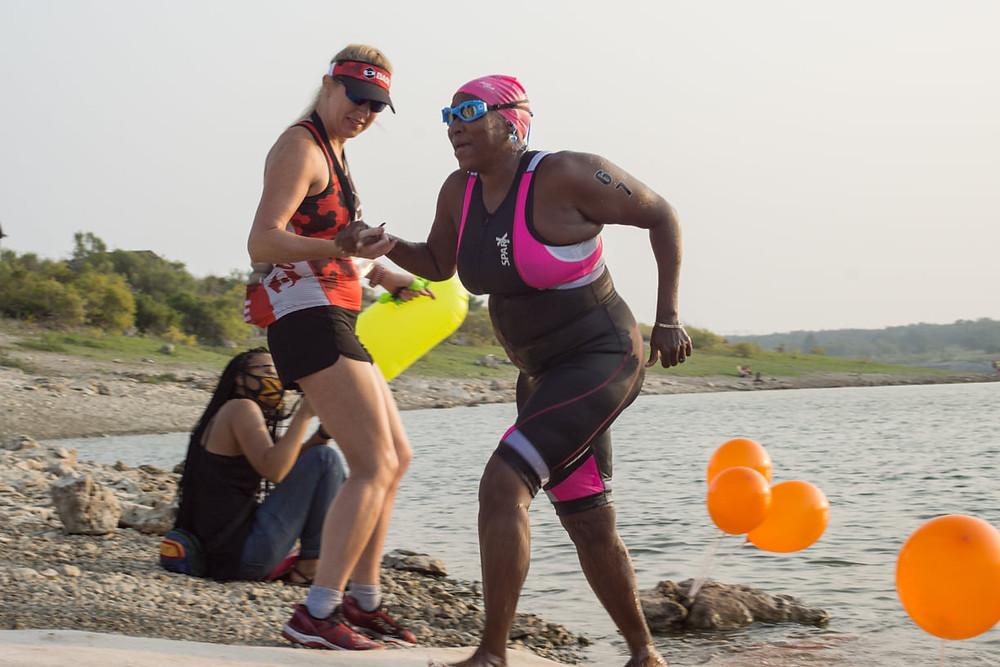 Sisters Super Sprint Triathlon Swim Exit Volunteer & Athlete