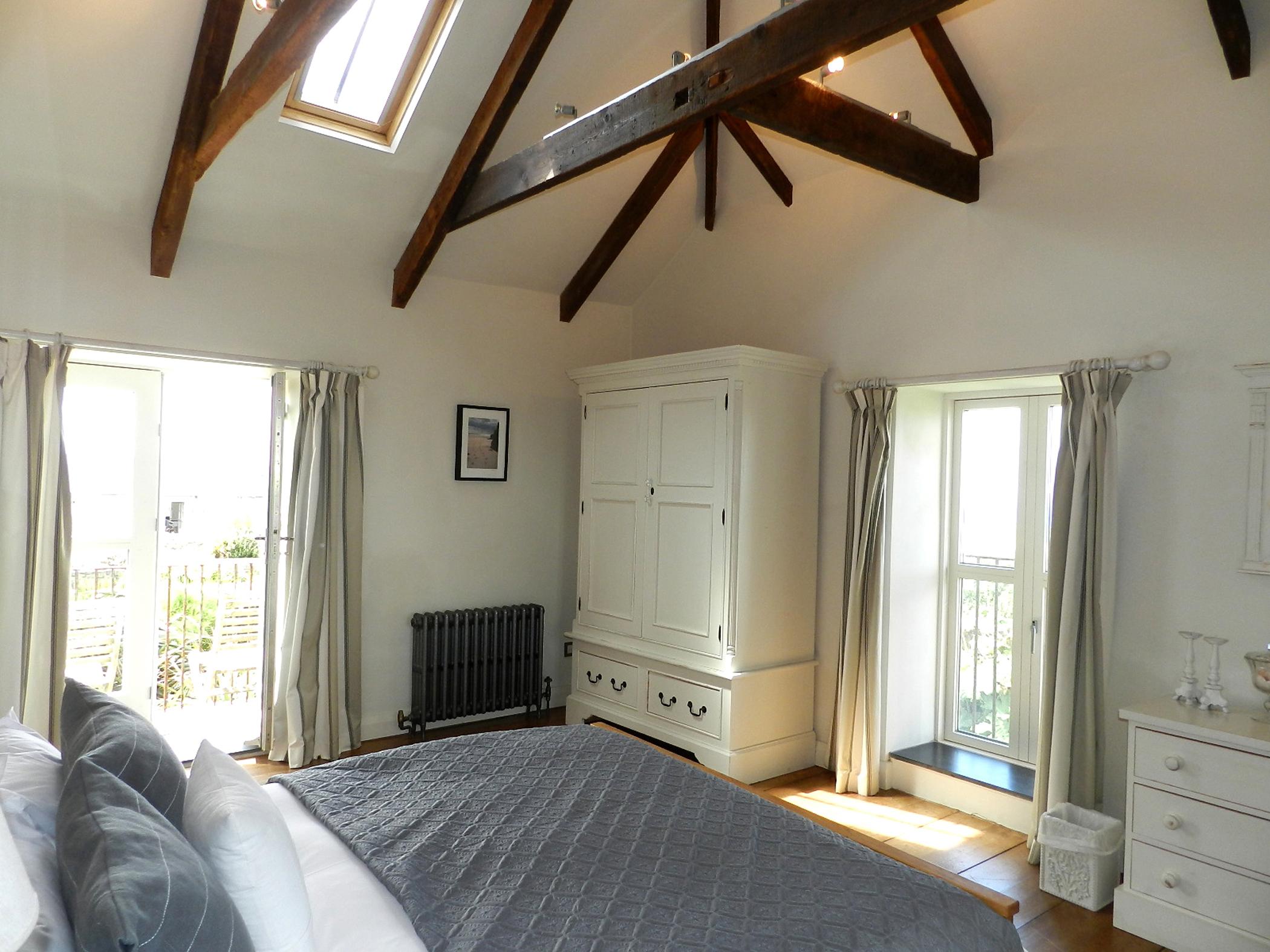 Bedroom 1a_edited-2.jpg