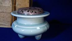 諏訪蘇山 造 青磁香爐(銀火屋)