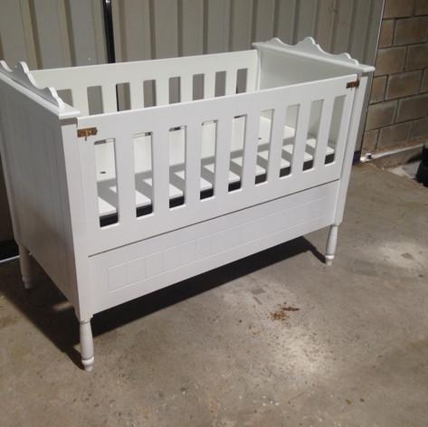 BABY COT HWCK04