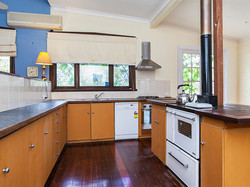 HOUSE WITH BIG KITCHEN FOR SALE