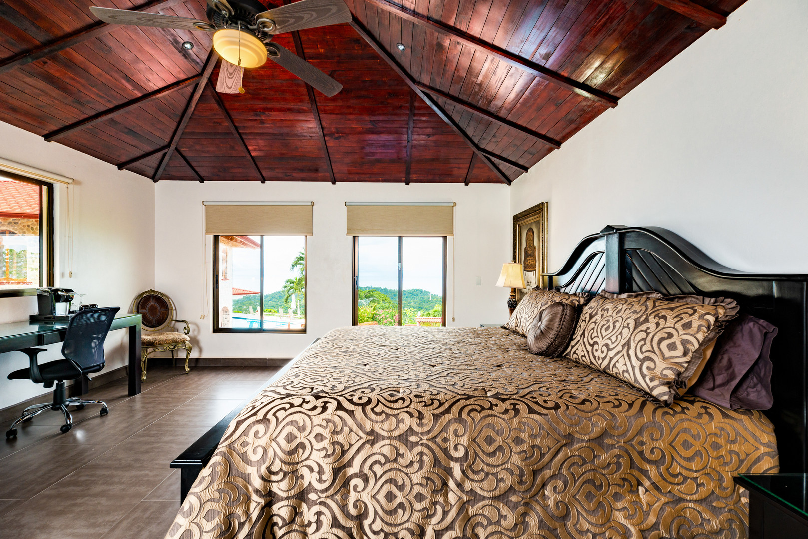 The Mariposa Room