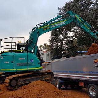 13.5T Excavator KR Photo 2.jpg
