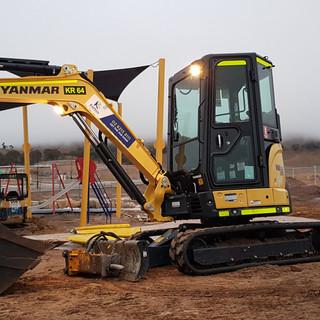 3.5T Excavator KR Photo 2.jpg