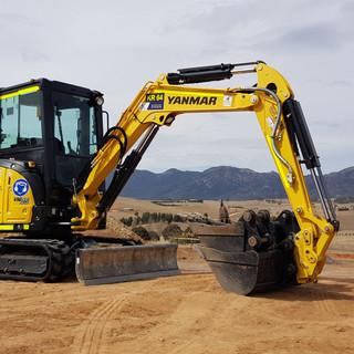 3.5T Excavator KR Photo 1.jpg