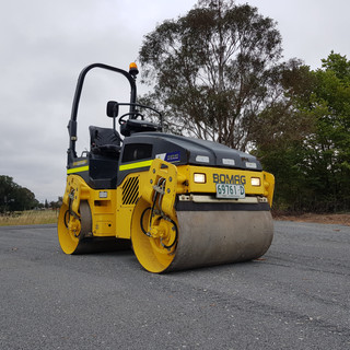 2.5t Twin Smooth Drum Roller KR Photo 2.