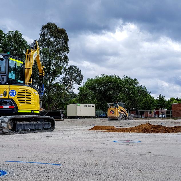 5.5T Excavator KR Photo 2.jpg
