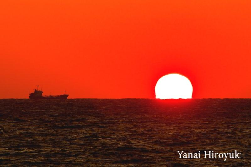 八丈島近海の夕陽 (東京都 伊豆諸島)