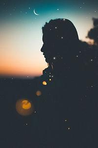 alone-backlit-bokeh-1649068.jpg