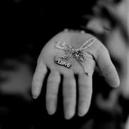 Claire Felicie, Peshmerga souvenir 'Love