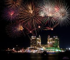 harborfireworks.jpg