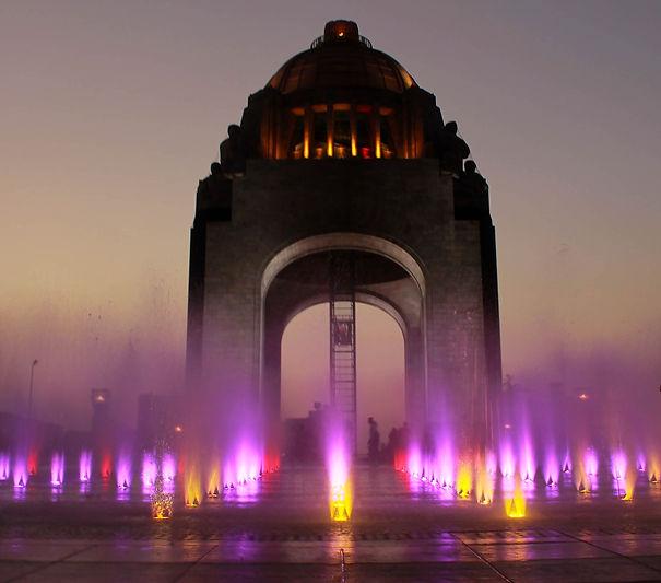 Monumento_a_la_revolución.jpg