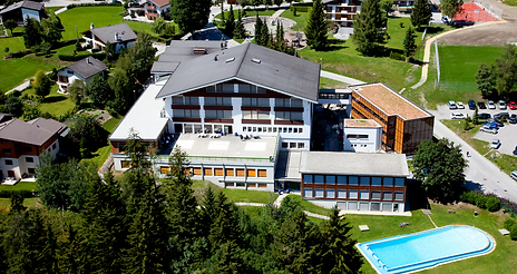 les-roches-switzerland-hospitality-schoo