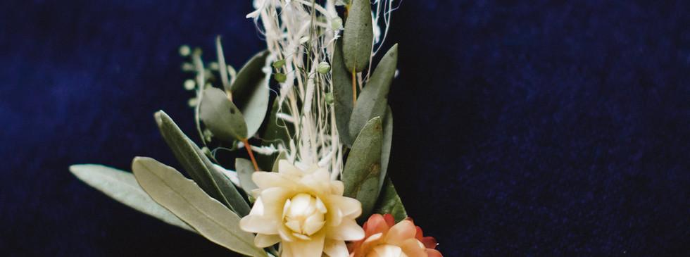 Broches fleurs séchées Témoins Hanaya Fleurs