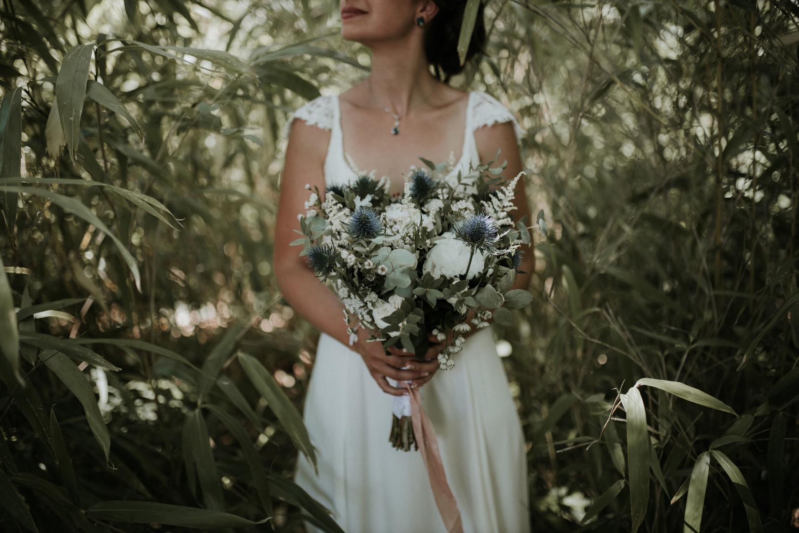 mariée et bouquet de mariée champêtre ch