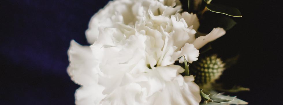 Boutonnière du marié Hanaya Fleurs