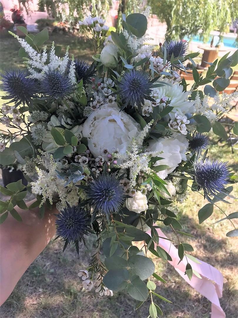 Bouquet de mariée chardon bleu.jpeg