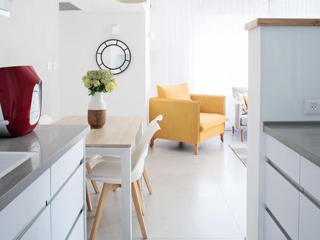 תכנון ועיצוב בדירה במרכז //זוג +3// 2017