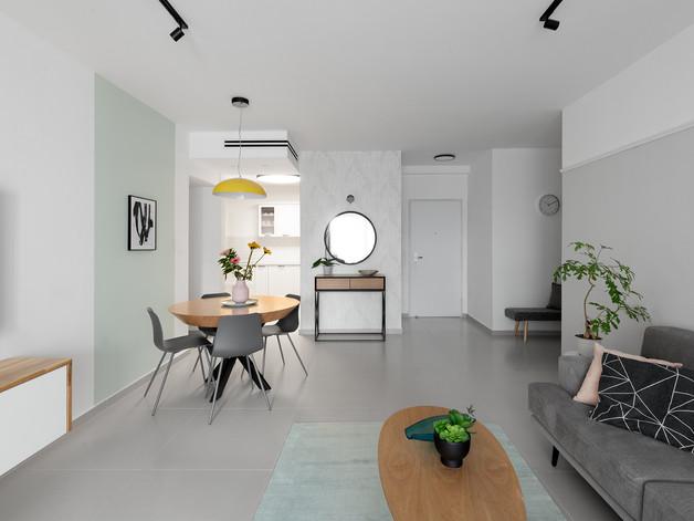 עיצוב פנים והום סטיילינג עבור דירה במרכז/ זוג +2// 2019