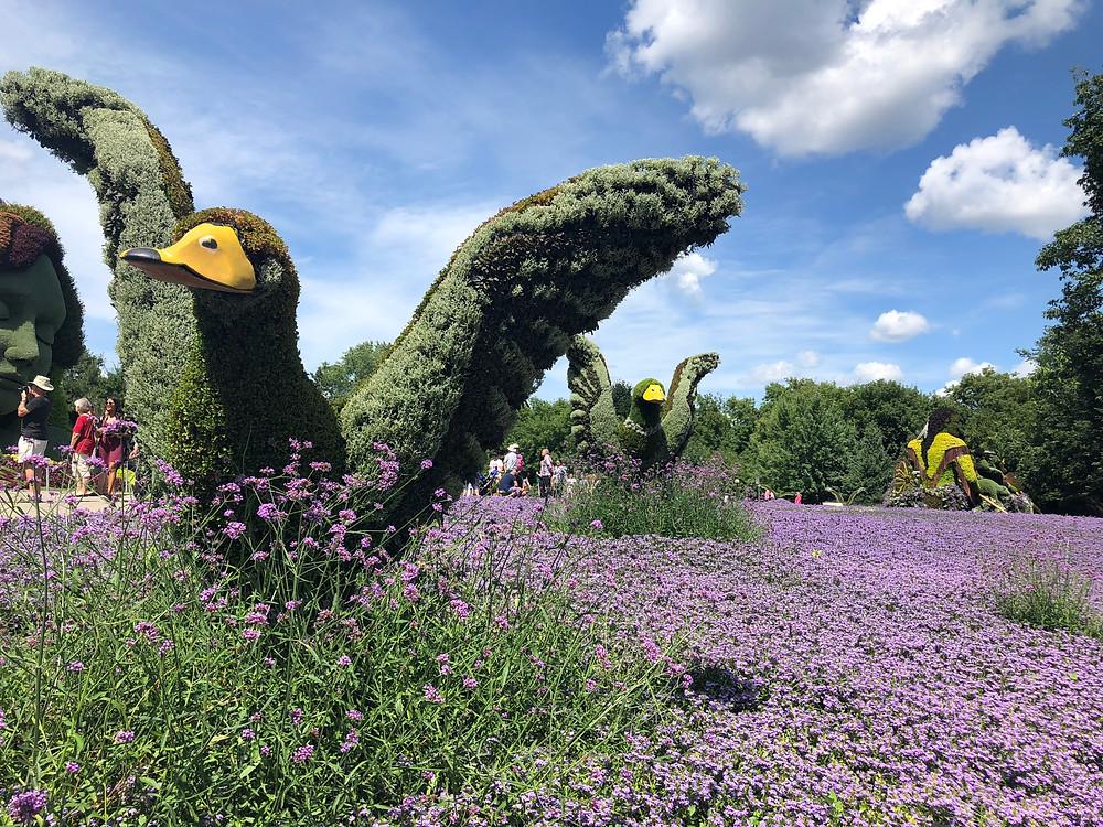mosaiculture bird statues