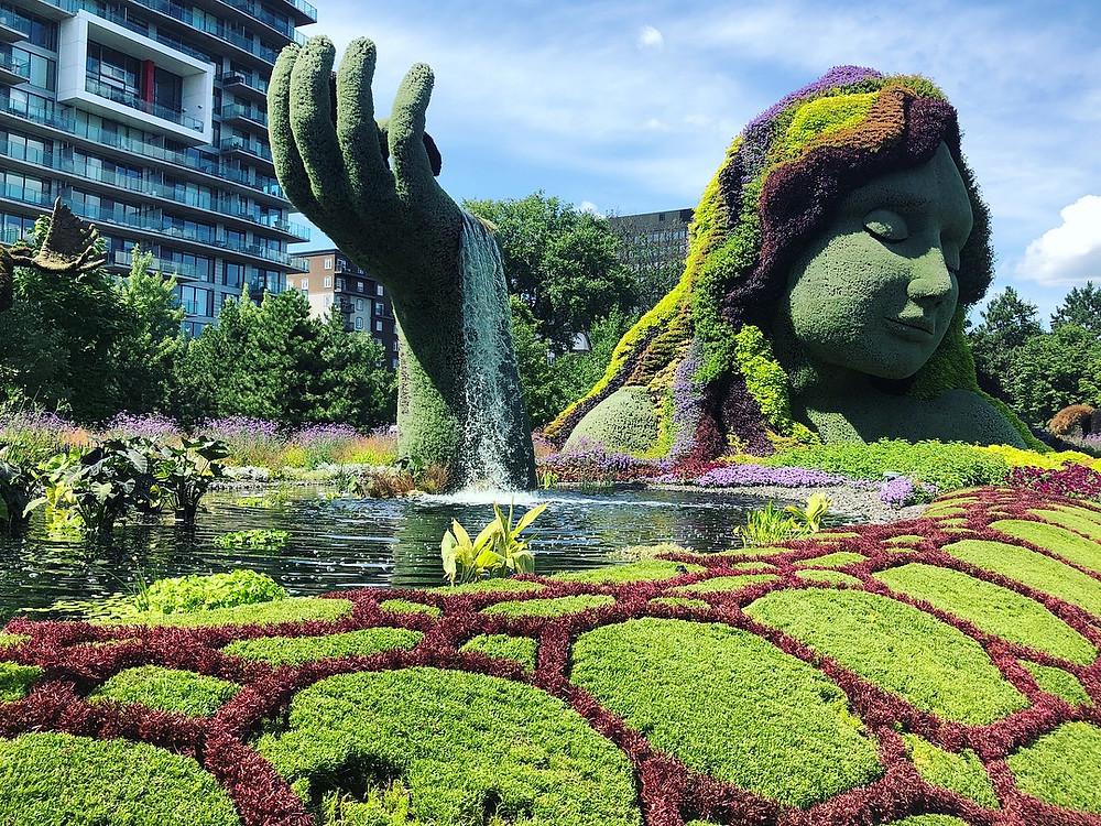 Mosaiculture sculpture